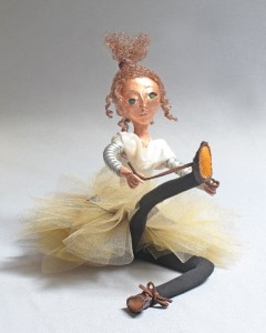 "seated art doll ""Lacing II"""