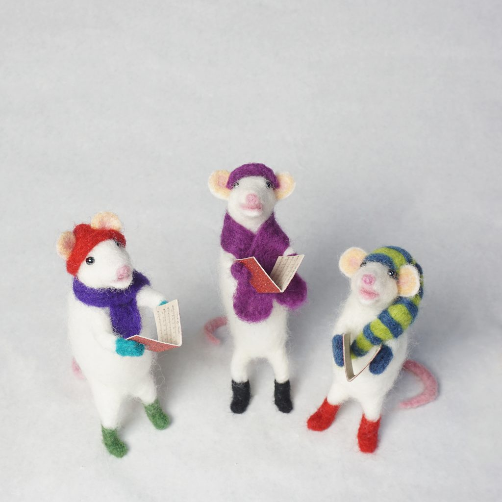 Caroling Mice anthropomorphic needle felted sculpture